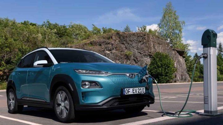 Carros elétricos serão mais baratos de produzir do que os a combustão, em 202 ...