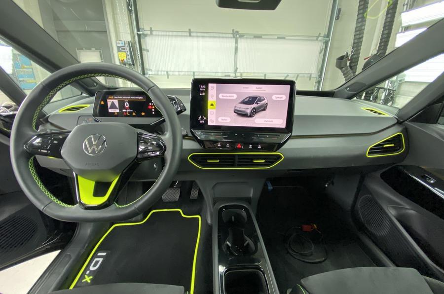 """Volkswagen ID.X revelado com 333 cv. """"Hot hatch"""" elétrico a caminho ..."""